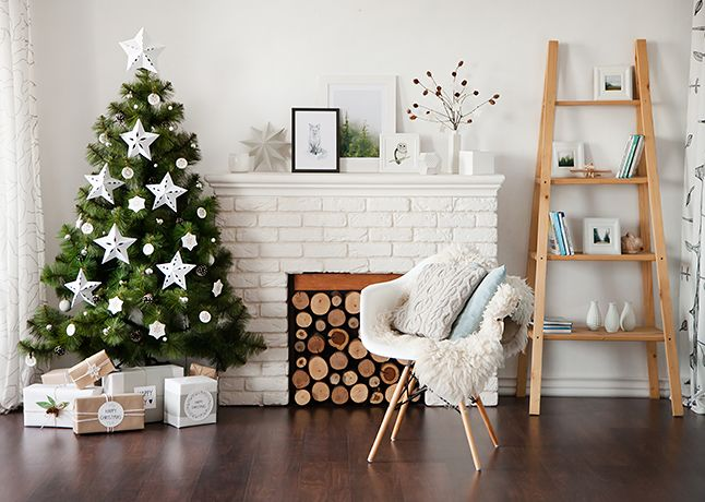 Новогодяя локация в Fafastudio. Christmas location in Fafastudio. #christmas #white #fafastudio #studio #location #backdrop