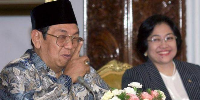 SHAMPOO MADU KUTU RAMBUT: Lapor Pak Presiden! Anggota TNI AL Ini Tak Bisa Be...