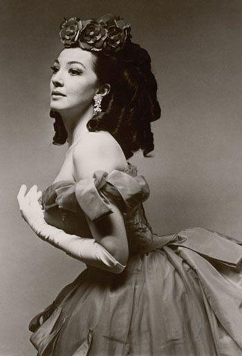 Soprano Anna Moffo as Violetta in Verdi's 'La Traviata.' Metropolitan Opera, 1966.