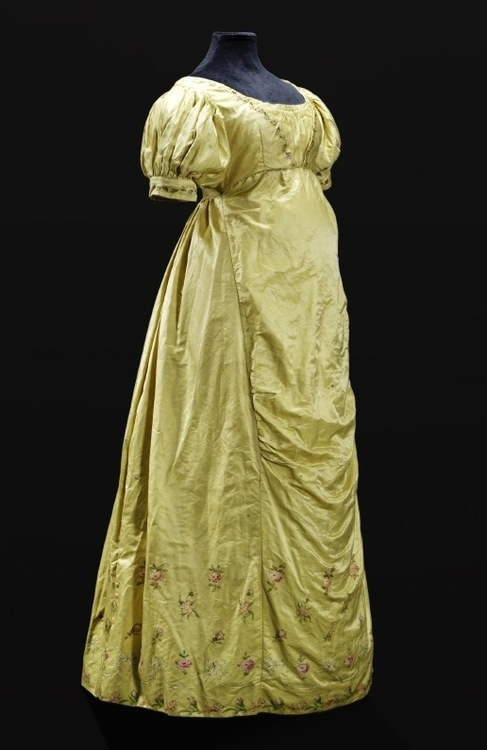Dress, 1810-20 From the State Museums in Berlin