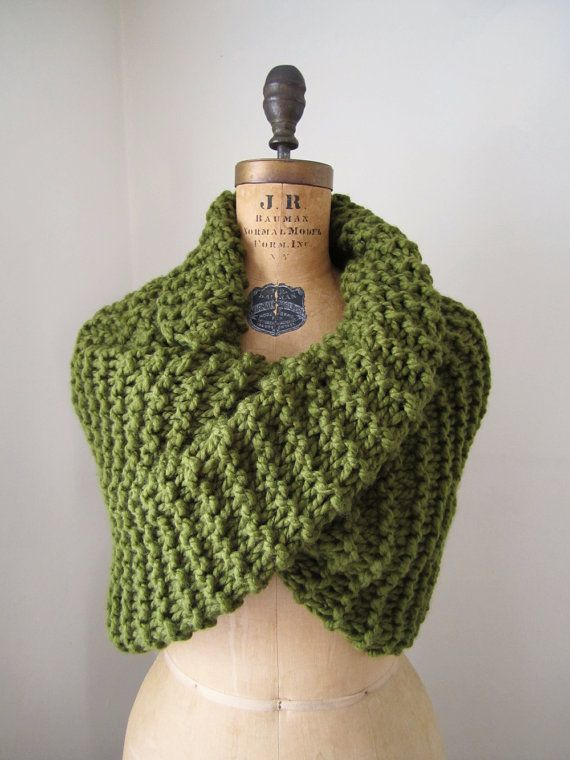 Super Snuggly Chunky knit cowl Olive Green.