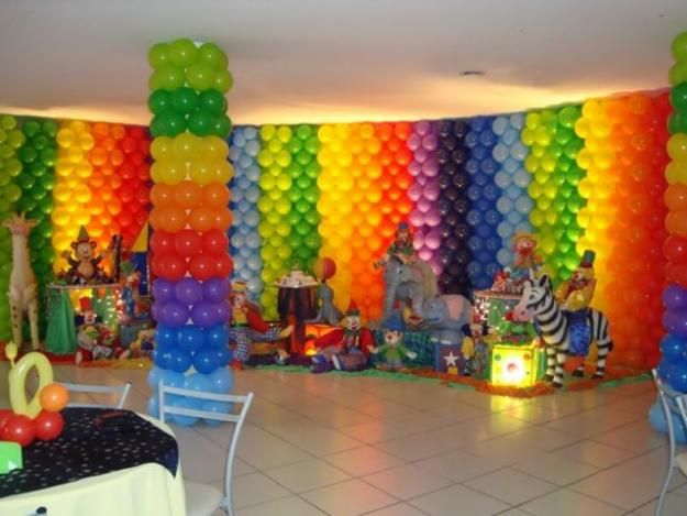 341 best balloon walls backdrops ceiling decoration for Balloon decoration on wall