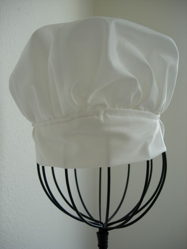 Free pattern for adult/kids chef's hat.