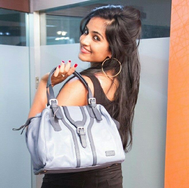 Harshi Mad winner of Indian Idol in the UK and finalist of Indian Idol 3 is sporting the right kind of #mondayblues.  #foal #bagsatfoal #leatherbags