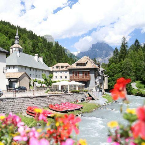 Dorp Sixt-Fer-a-Cheval, een geliefd plekje als startpunt om te raften in de Haute-Savoie, Franse Alpen