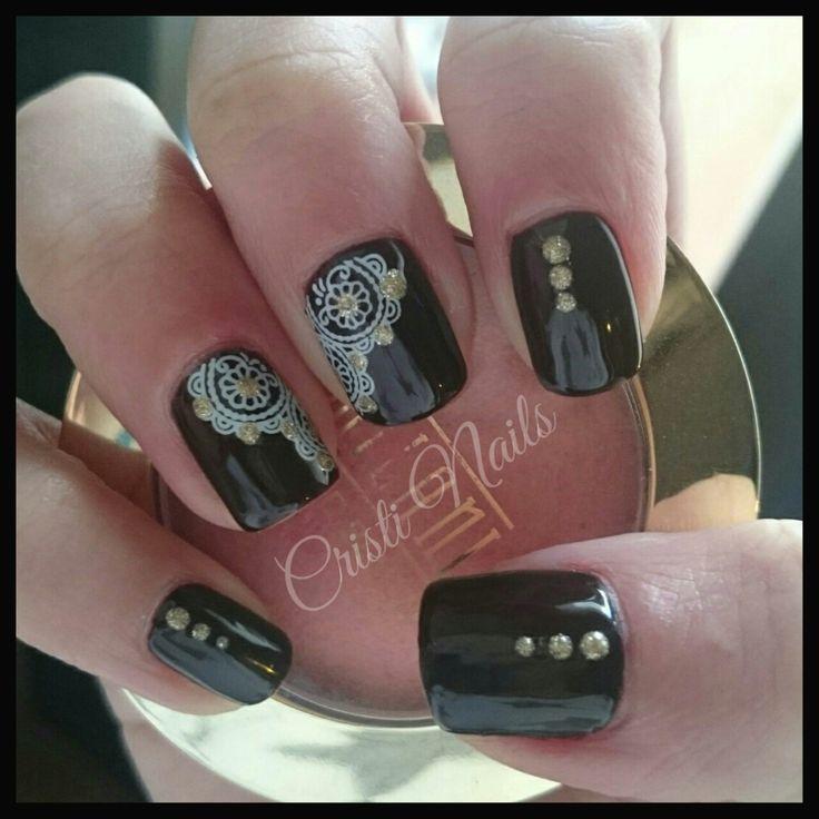 Nails marrón y encaje con dorado