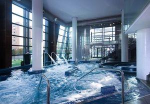 Recupera la vitalidad gracias a una sesión de hidroterapia con masaje en Sheraton Madrid Mirasierra #regalosboda #regalosdeboda #balnearioyspa #spa #balneario