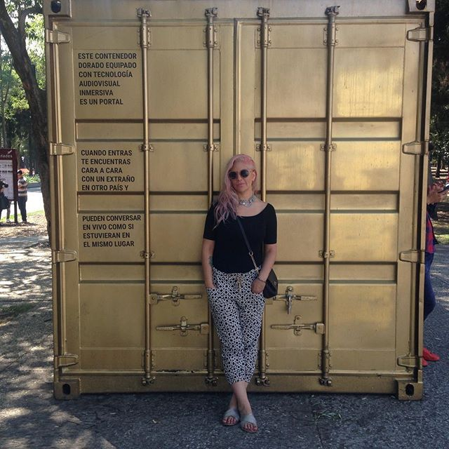 Rosa, negro y dorado... #MarianaConeja #CDMX #MuseoTamayo #ilovecdmx #bloggerpoblana #BloggerMexicana #mexicanblogger #ootd #sunday