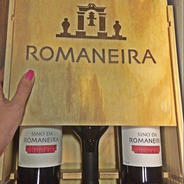 Romaneira  SINO DA ROMANEIRA  Douro #douro #romaneira #vinho #vin #vino #wine #instavinho #instavin #instawine #adegaoswaldoporto #adega #portugues #portugal #sommelier #sommeliers by carolportos
