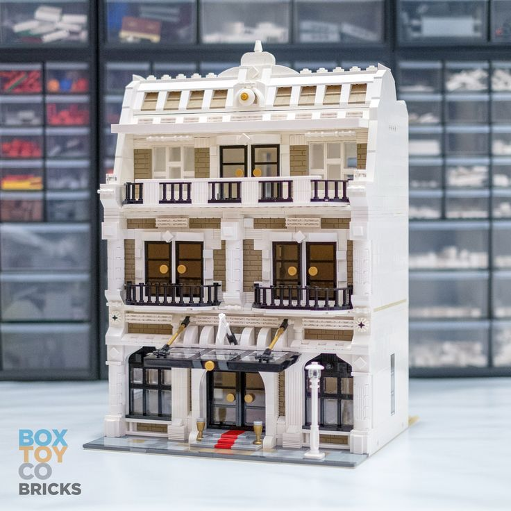 Preview lego hotel moc boxtoy co lego pinterest for Design merrion hotel 4