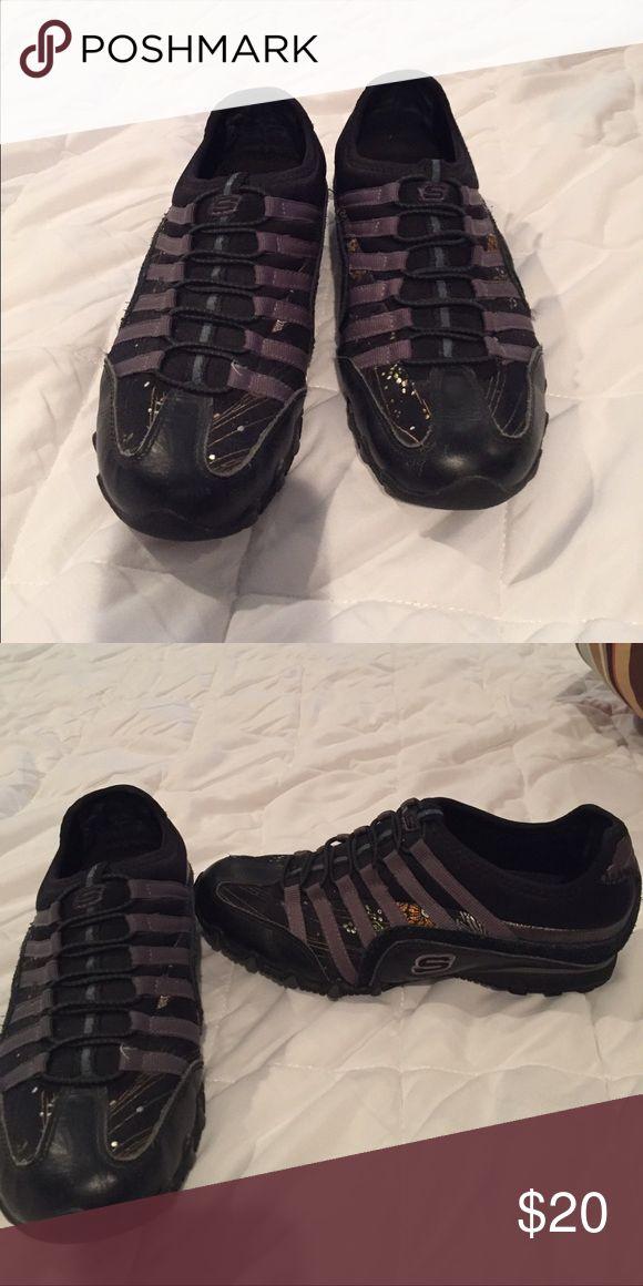 Skechers black shoes EUC size 5, great shoes! Skechers Shoes Sneakers