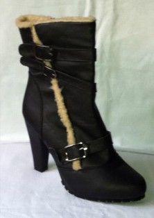 Stylish Ladies Black Heels Shoes at low price.