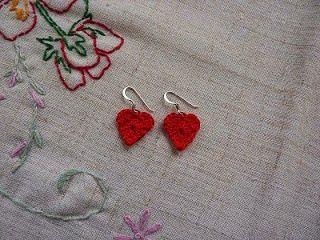 Αν αγαπάτε τα σκουλαρίκια, έχουμε 16 δωρεάν πατρόν. Οπότεπαίρνουμετο βελονάκι και κάνουμε τιςπιοωραίεςβελονιές. Για τους όρους και τα...