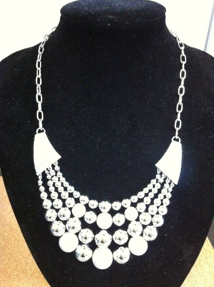 Stunning triple beaded, silver necklace.