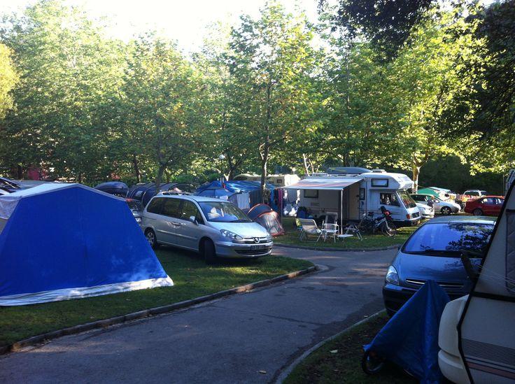 Zona de acampada del Camping Playa de la Franca en Asturias