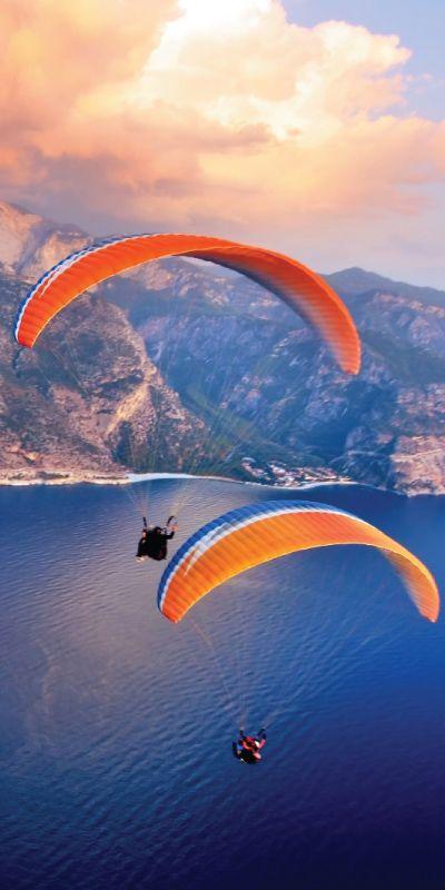 Ute etter en annerledes gave? Da er Paragliding tandem garantert valentines gaven som vil trekke på smilebåndet. En tøff og morsom opplevelse passende for han eller hun som søker spenning og nye impulser.