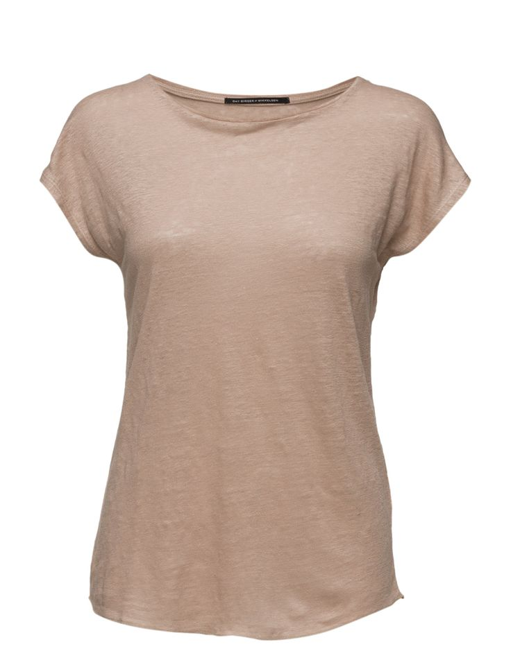 DAY - Day Desert-A simplistic t-shirt with a round neck carving. This T-shirt is lovely to wear and is a great basic item to have in any woman's wardrobe.  Relaxed fit Feminine Made from luxurious materials Timeless Linen is naturally lightweight and breathable.