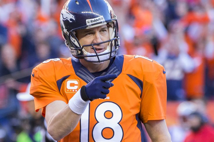 He's kind of a big deal On Sunday, Denver Broncos QB Peyton Manning broke Brett Favre's all-time passing touchdowns record in the second quarter of the team's matchup with the San Francisco 49ers.