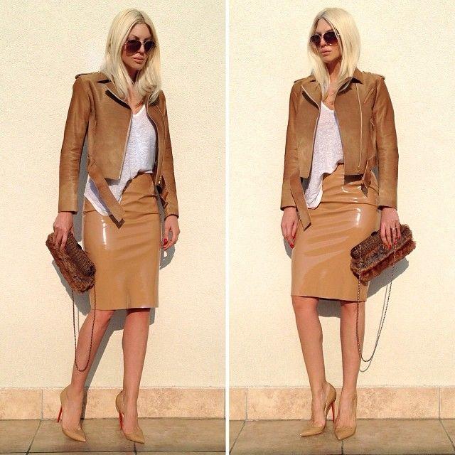 In my fav color ☀️ #junkoshimada jacket is  #chanel bag #topshop skirt #louboutin shoes #isabelmarant shirt