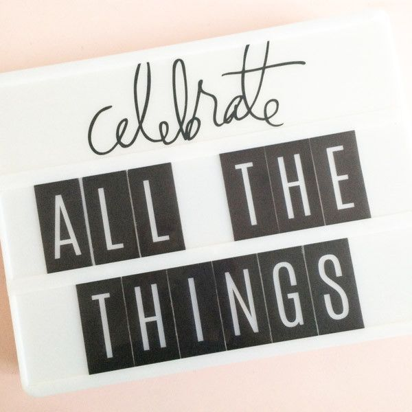 """Design custom signs for parties, events, and home decor! Designed by Heidi Swapp Includes 1 lightbox and USB cord Operates with 3 """"C"""" Batteries or USB cord (i"""