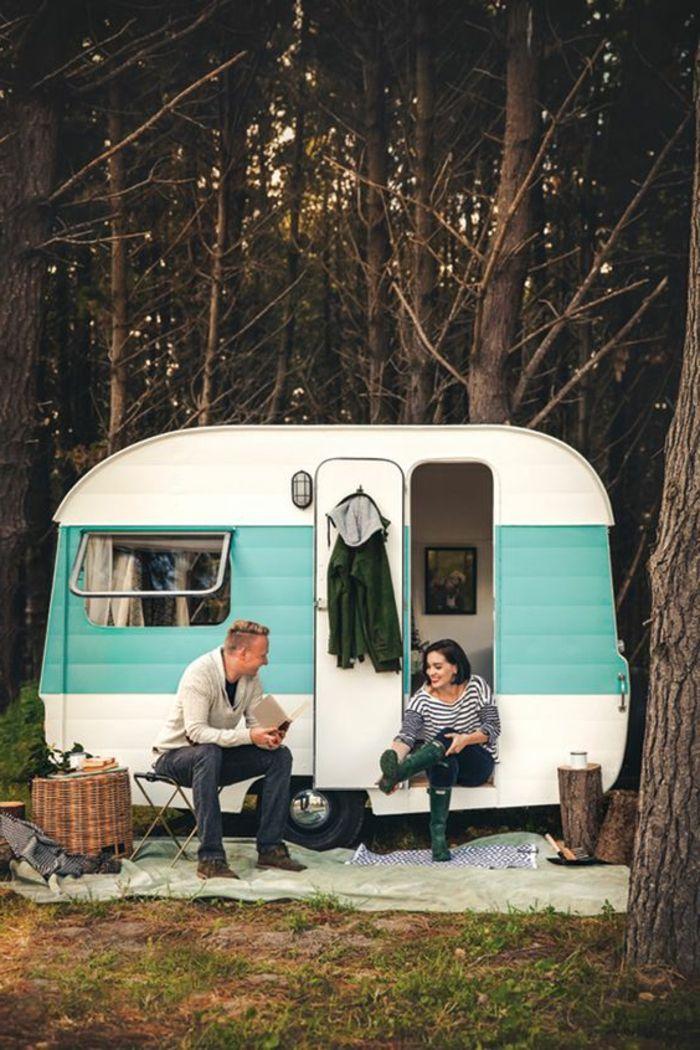 vivre dans une caravane 13 1001 bonnes raisons pour vivre en caravane mobile. Black Bedroom Furniture Sets. Home Design Ideas