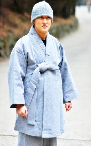 Korean Buddhist Monks | New Monk Casual Dress, Korea ...