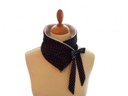 Col polaire à nouer à pois noir et blanc : Echarpe, foulard, cravate par valierre