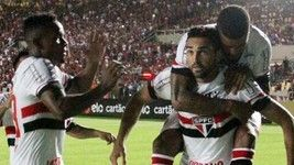São Paulo avança na 1ª vitória de Ceni  (Futura Press)