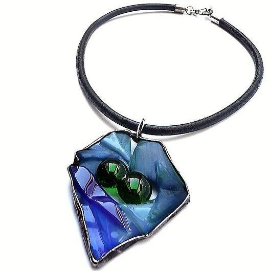 Indigo and green glass. Melting own. pendant unique // Indygo i zielone szkło. Wytop własny. Wisior unikalny