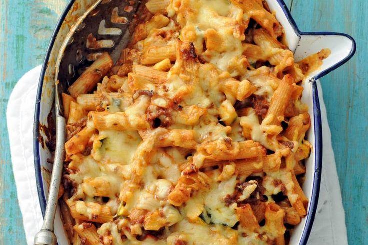 20 Mei 2017 - Pasta + Jonge Kaas in de bonus = Pasta met courgette en gehakt uit de oven. Gegratineerd met een laagje kaas. - recept - Allerhande