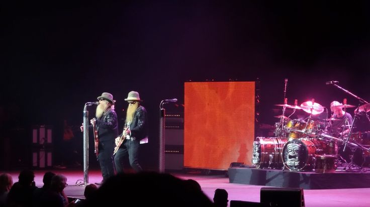 """#80er,#Cynthia #Woods Mitchell Pavilion (Venue),Dillingen,#Hard #Rock,#Hardrock #80er,#Houston,#live,#lynyrd #skynyrd,Texas,#The #Woodlands (Administrative Division),#zz #top,#ZZ #Top (Musical Group) #ZZ Top- """"Tush"""" [live] #Cynthia #Woods Mitchell Pavilion- #The #Woodlands, Texas  #May 2, 2015 - http://sound.saar.city/?p=38548"""