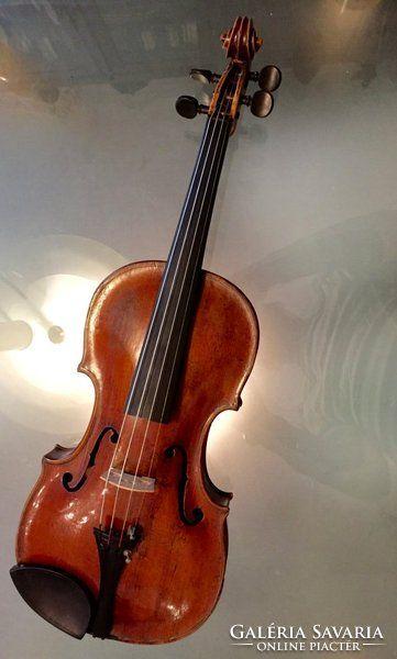 XVIII. századi mesterhegedű