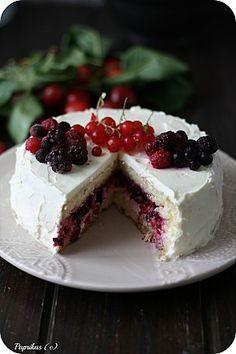 Foret blanche aux fruits rouges