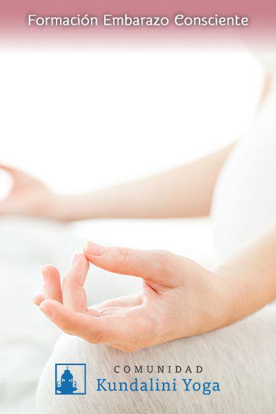 Beneficios del Kundalini Prenatal: Yogui Bhajan - Apertura de corazón, estarás más relajada y contenta. - Incremento de conciencia:  Al nacer, tu hijo será un ser consciente y meditativo pues desde el vientre ya estuvo practicando junto contigo. - Regulación de las hormonas. Con el trabajo de las glándulas, te sentirás más equilibrada y controlarás mejor tus emociones. - El embarazo embellece a la mujer en todo sentido y la práctica de Yoga te ayuda a ser consciente de ello, sentirte dichosa…