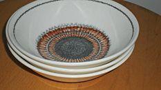 CROWN LYNN Kelston  Sunburst Pat 695 Dessert Bowls