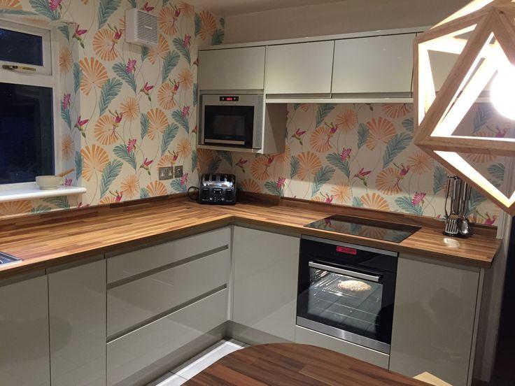 My New Kitchen In Love Howdens Glendevon Flint Grey Gloss Integrated Handle Kitchen