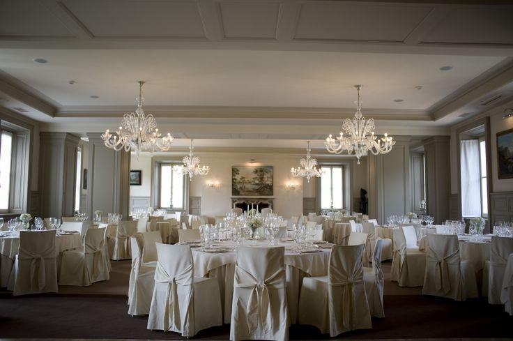 La sala al primo piano di Villa Acquaroli, una location per matrimoni e ricevimenti