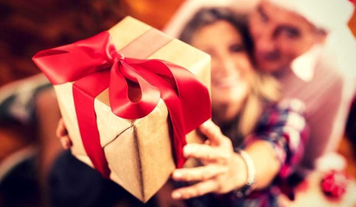 7 ways to control your Christmas spending