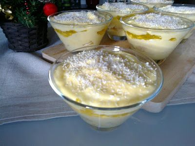 Doce de custard e gelatina ... ou uma espécie de trifle pobre