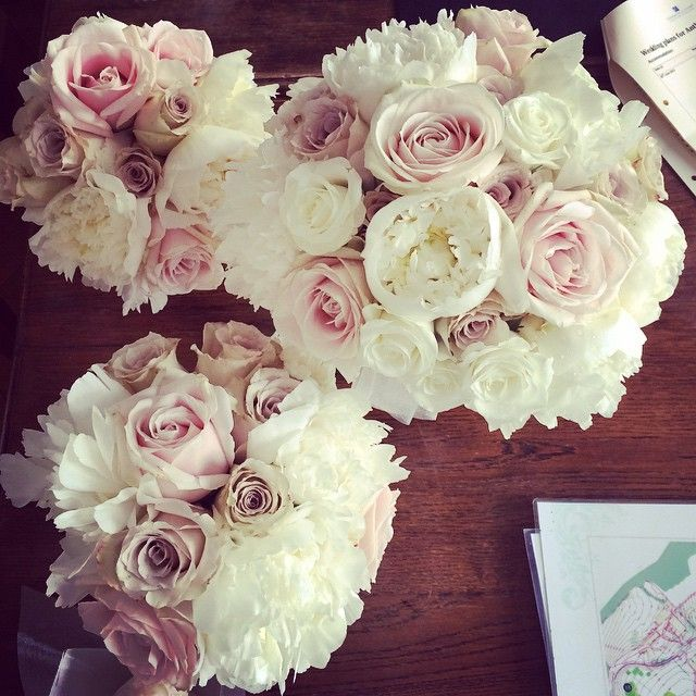 Beautiful wedding bouquets #ChateauLiving #Wedding #ChateaudelaCazine #Limousin #Noth #France