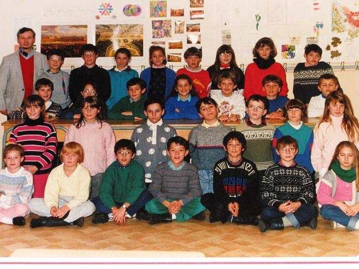 Photo de classe CM2 de 1987, ECOLE SAINTE THERESE - Copains d'avant
