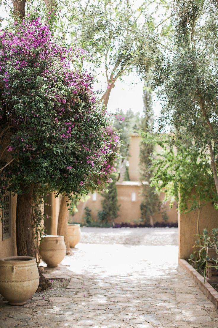 Gold and brass fixtures and faucets promising or passe apartment - Un Mariage Taroudant Au Maroc La Mari E Aux Pieds Nus Photo Lifestories