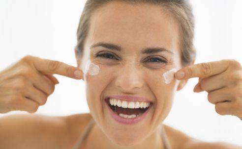 Gezichtscrèmes: verschil van dag en nacht   GezondheidsNet