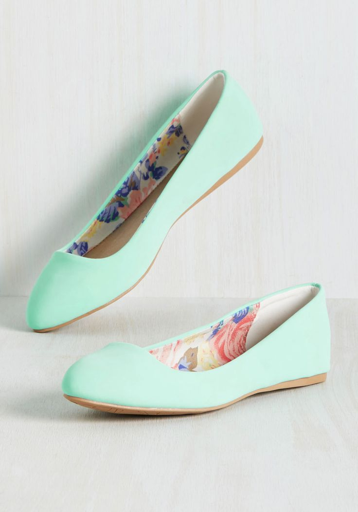 More or Minimalist Flat. You opt for both when you sport these bright aqua ballet flats! #mint #modcloth