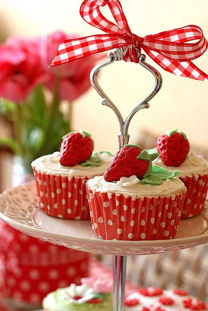 cute strawberry cupcakes