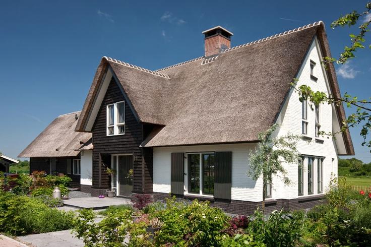Villabouw met luiken in het mooie landschap te Soest