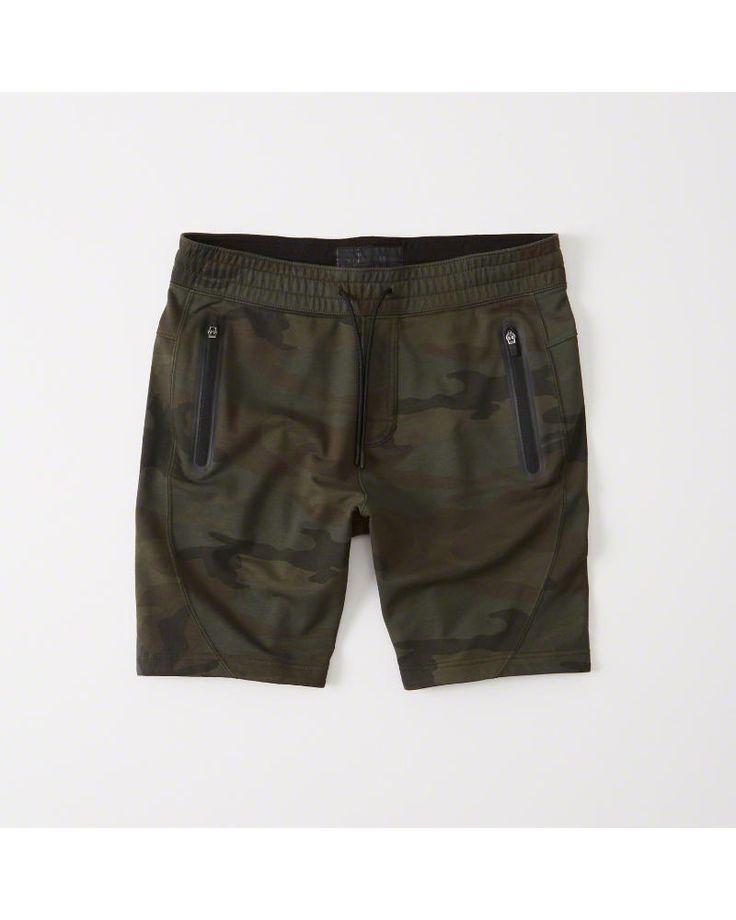 A&F Men's Sport Fleece Shorts in Green Camo - Size XXL