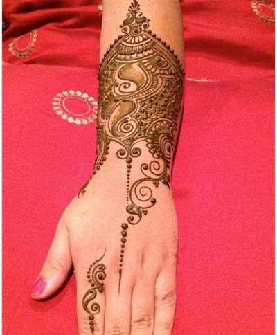 Perfect Mehndi Design for The Bride