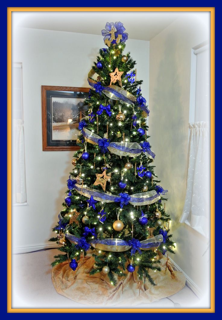 36 best Blue and Gold Christmas images on Pinterest | Gold ...