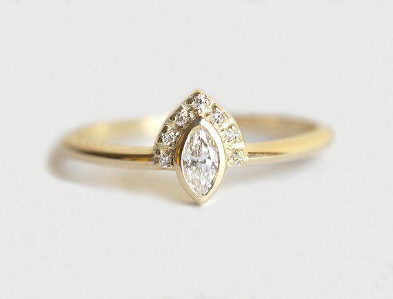 marquise-diamond-engagement S$1000